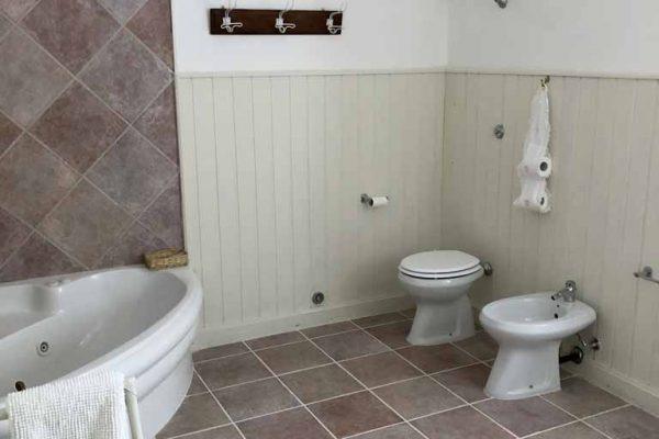 Casa Carlotta, bagno della camera Sposa